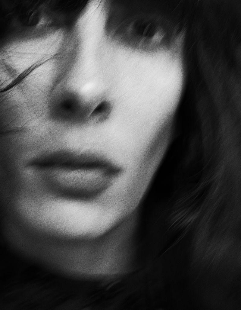 Jamie-Bochert-by-Branislav-Simoncik-for-Vogue-Portugal-March-2019- (8).jpg