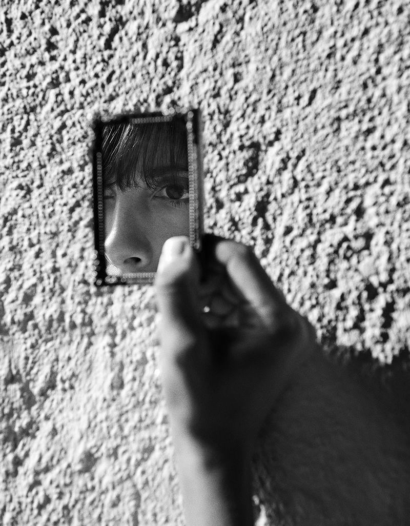 Jamie-Bochert-by-Branislav-Simoncik-for-Vogue-Portugal-March-2019- (17).jpg