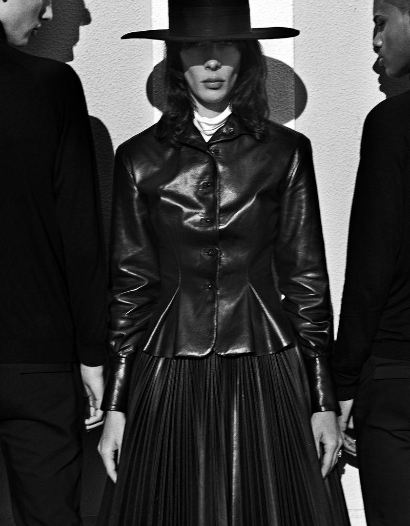 Jamie-Bochert-by-Branislav-Simoncik-for-Vogue-Portugal-March-2019- (18).jpg