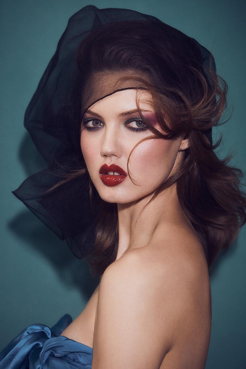 Lindsey-Wixson-Zoey-Grossman-Vogue-Hong-Kong-March- (2).jpg