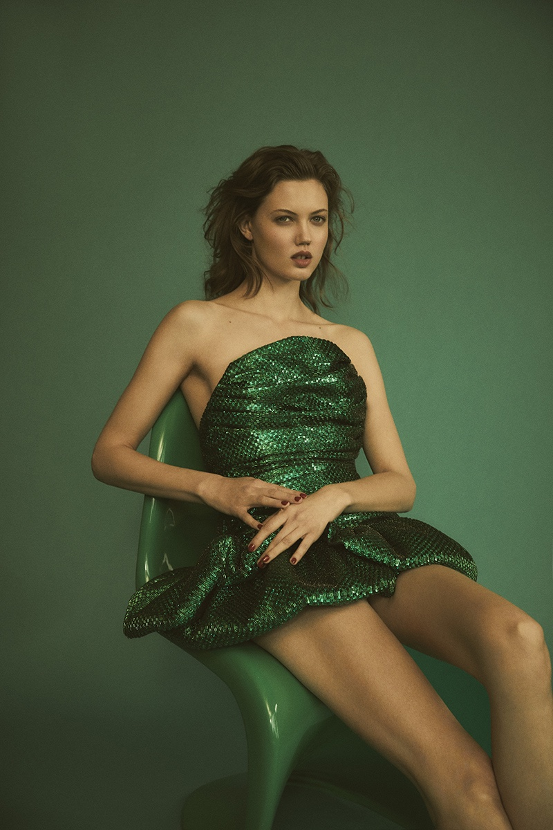 Lindsey-Wixson-Zoey-Grossman-Vogue-Hong-Kong-March- (7).jpg