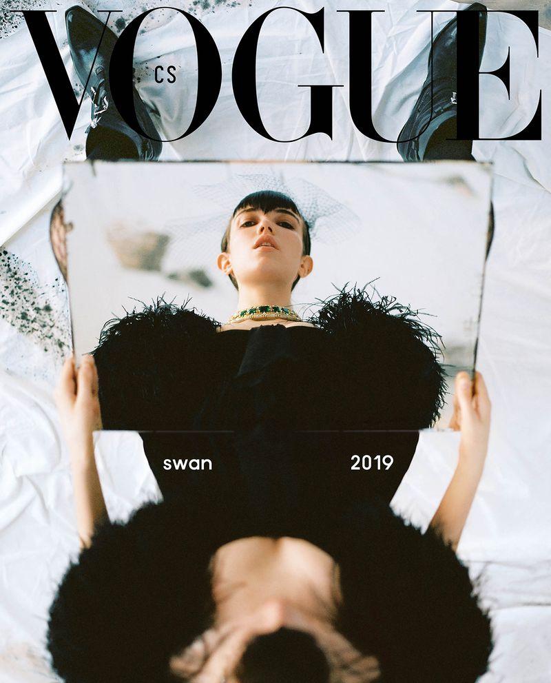 Vogue-Czech-April-2019-Grace-Hartzel.jpg