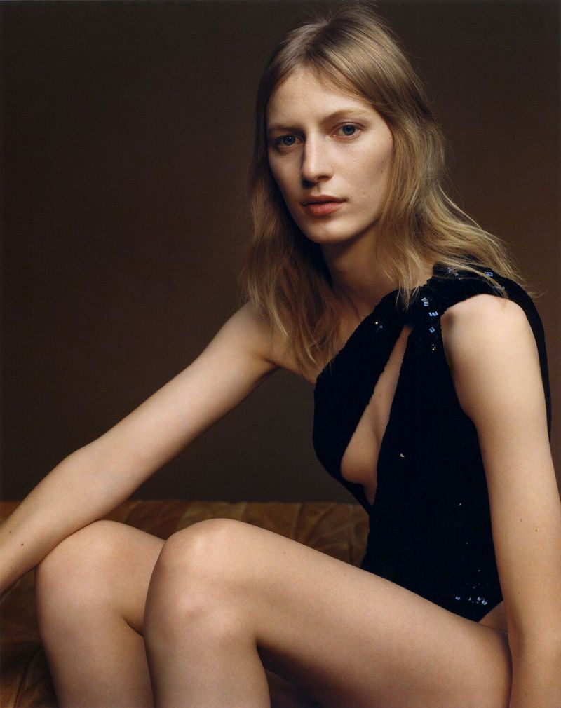Julia-Nobis-Zoe-Ghertner-M-Le-Monde- (2).jpg