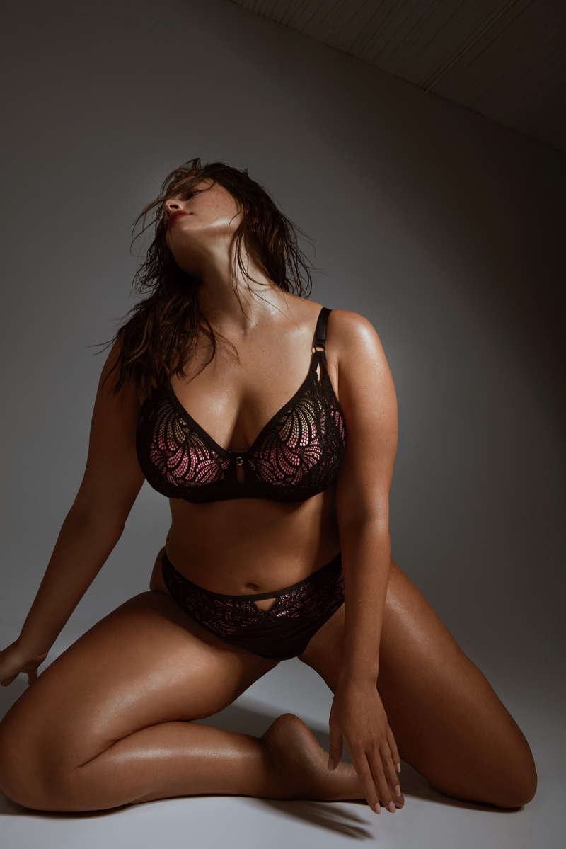 Ashley-Graham-Addition-Elle-2019-Lingerie-Campaign05.jpg