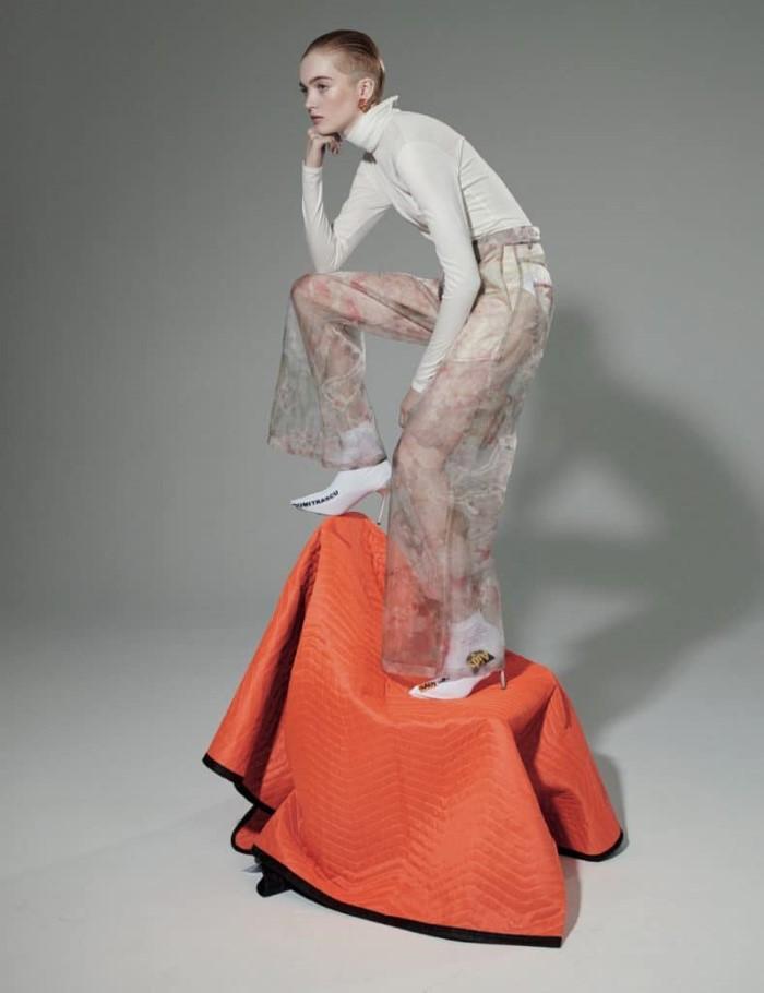 Nagi-Sakai-ZOO-Magazine-Ruth-Bell- (6).jpg