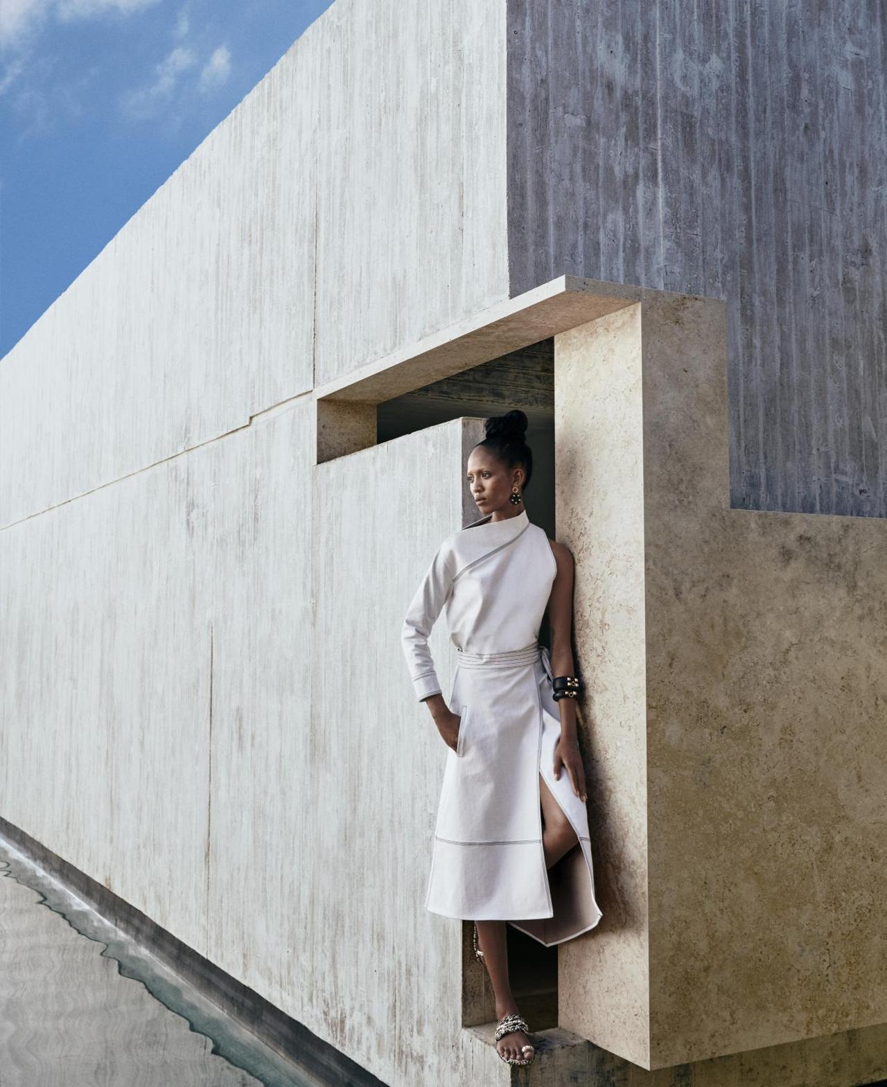 Adesuwa-Aighewi-Sebastian-Kim-Harpers-Bazaar- US-April-2019- (10).jpg