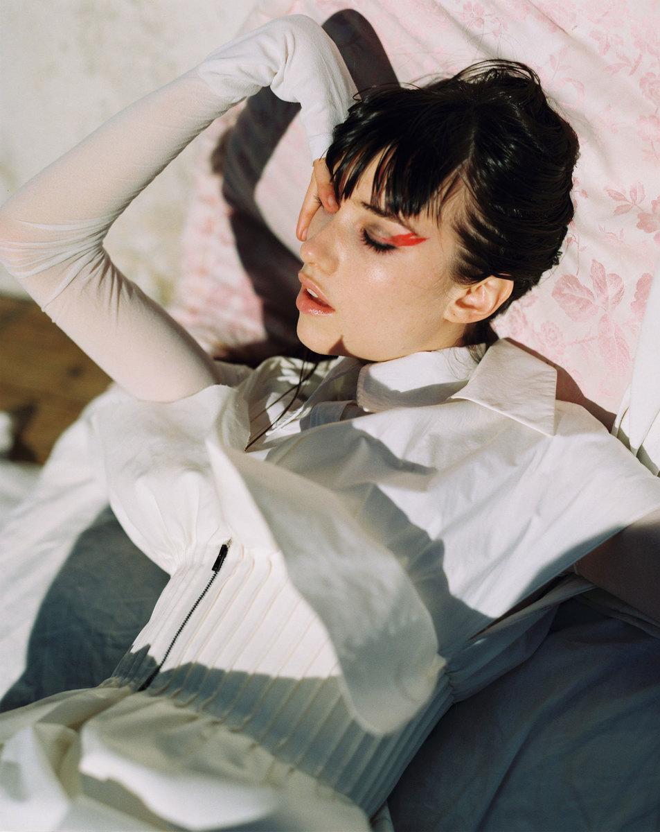 Grace-Hartzel-Dan-Belieu-Vogue-Czech-37.jpg