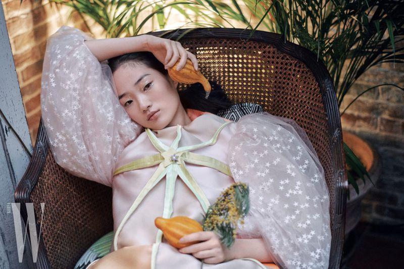 Hyun-Ji-Shin-Hyungsik-Kim-WKorea-March-2019- (1).jpg