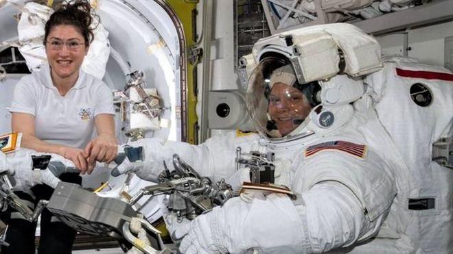 NASA astronauts-.jpg