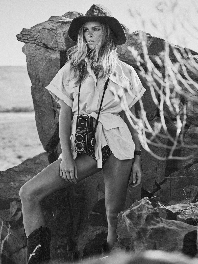 Anna-Ewers-Lachlan-Bailey-Vogue-Paris-April- (4).jpg
