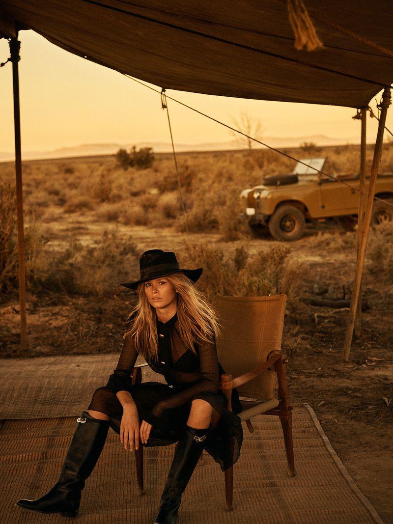 Anna-Ewers-Lachlan-Bailey-Vogue-Paris-April- (6).jpg