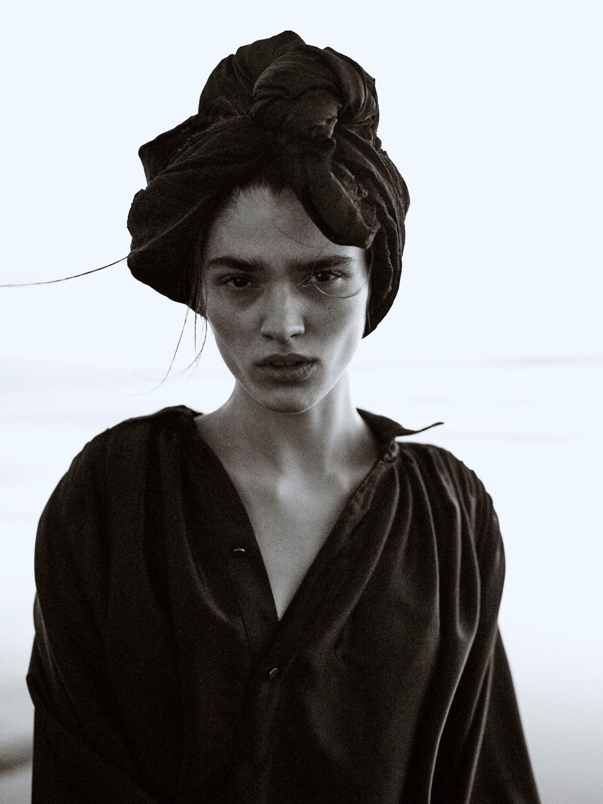 Alexandra-Micu-Sonia-Szostak-Porter Edit- (4).jpg