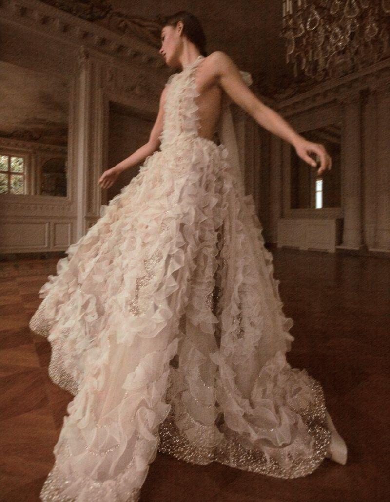 Camilla-Akrans-Spring-Couture-Vogue-China (4).jpg