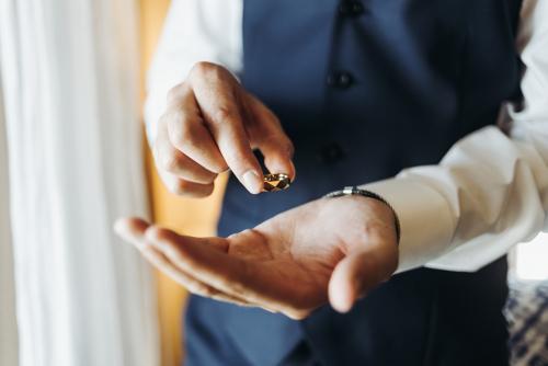 Choosing Your Man's Wedding Ring -