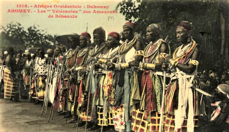 West African queens of Dahomey, now Benin. These fierce fighters were also called the Dahomey Amazons. This image is likely taken 1900-1912. Photo: Francois-Edmond Fortier.