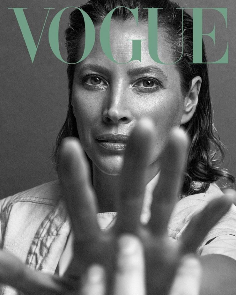 Christy-Turlington-Vogue-Mexico-May-2019-Covers03-.jpg