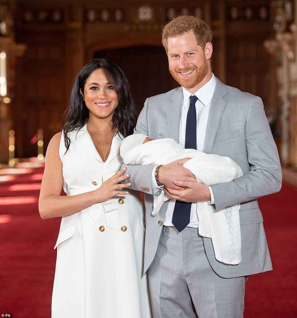 Harry-Meghan-Baby-Sussex-5819-.jpg