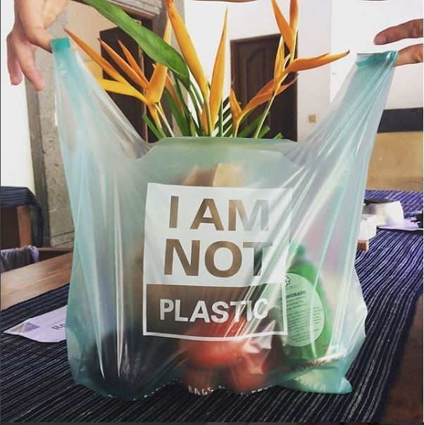 Bali-based company Avani Eco has created a plastic bag so eco-friendly you can eat it.It's made out of cassava, the vegetable root which is a staple in the diets of many in Africa, Latin America and Asia, but which can also be used in manufacturing.