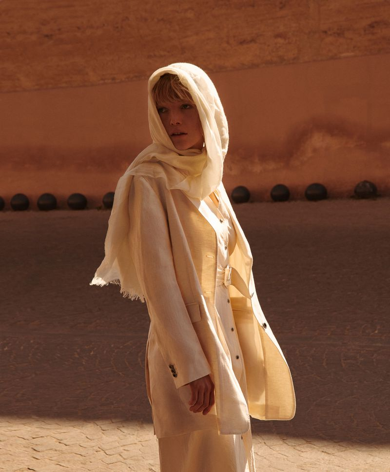 Lou Schoof Wears Modest Fashion In Marrakesh By Magda Wunsche + Aga Samsel For Vogue Poland