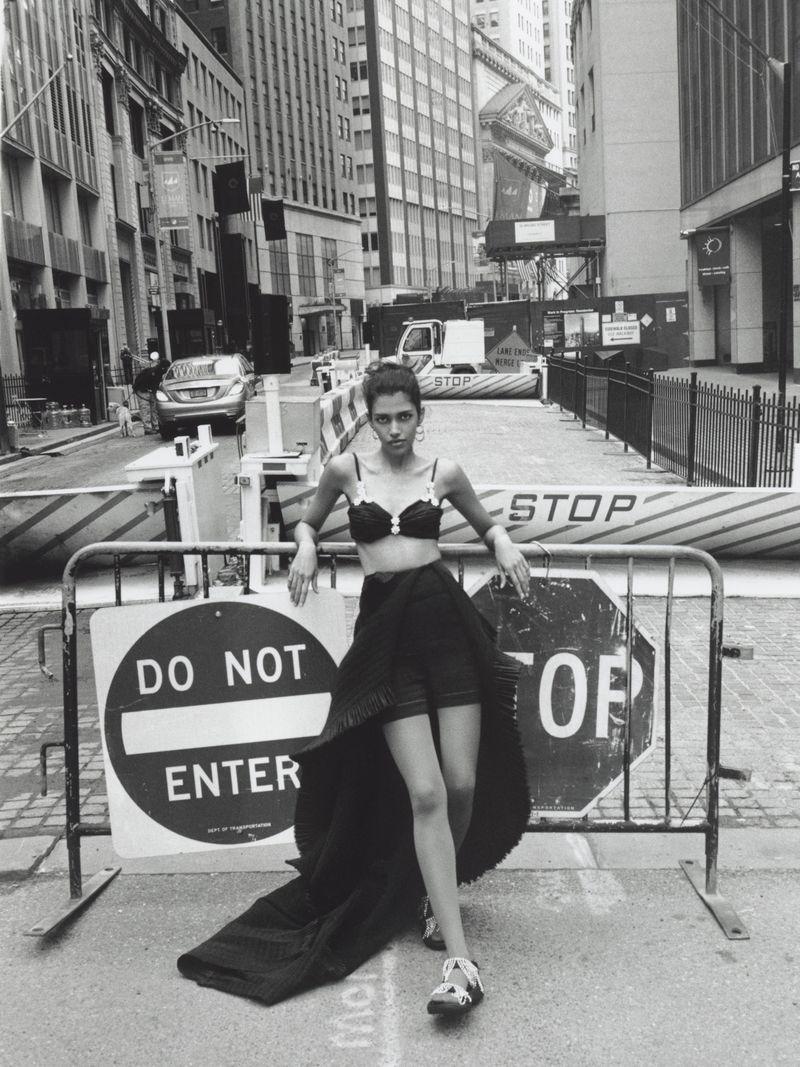 Pooja Mor Takes Manhattan in Stanislaw Boniecki Images For Vogue Poland June 2019