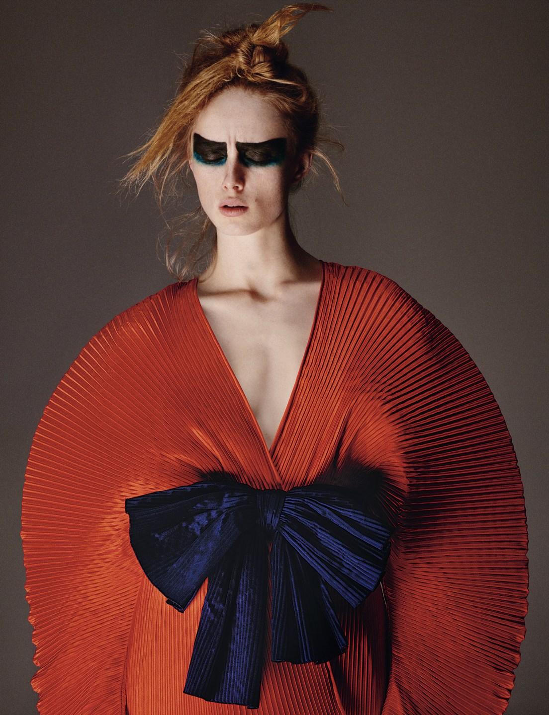 Rianne van Rompaey by Theo Sion for Vogue UK June 2019 (3).jpg