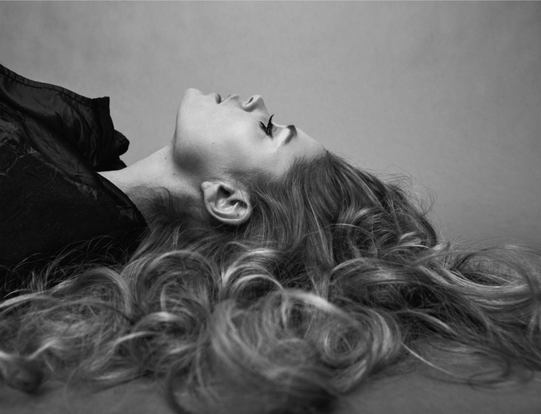 Doutzen Kroes Vogue Poland- (6).png