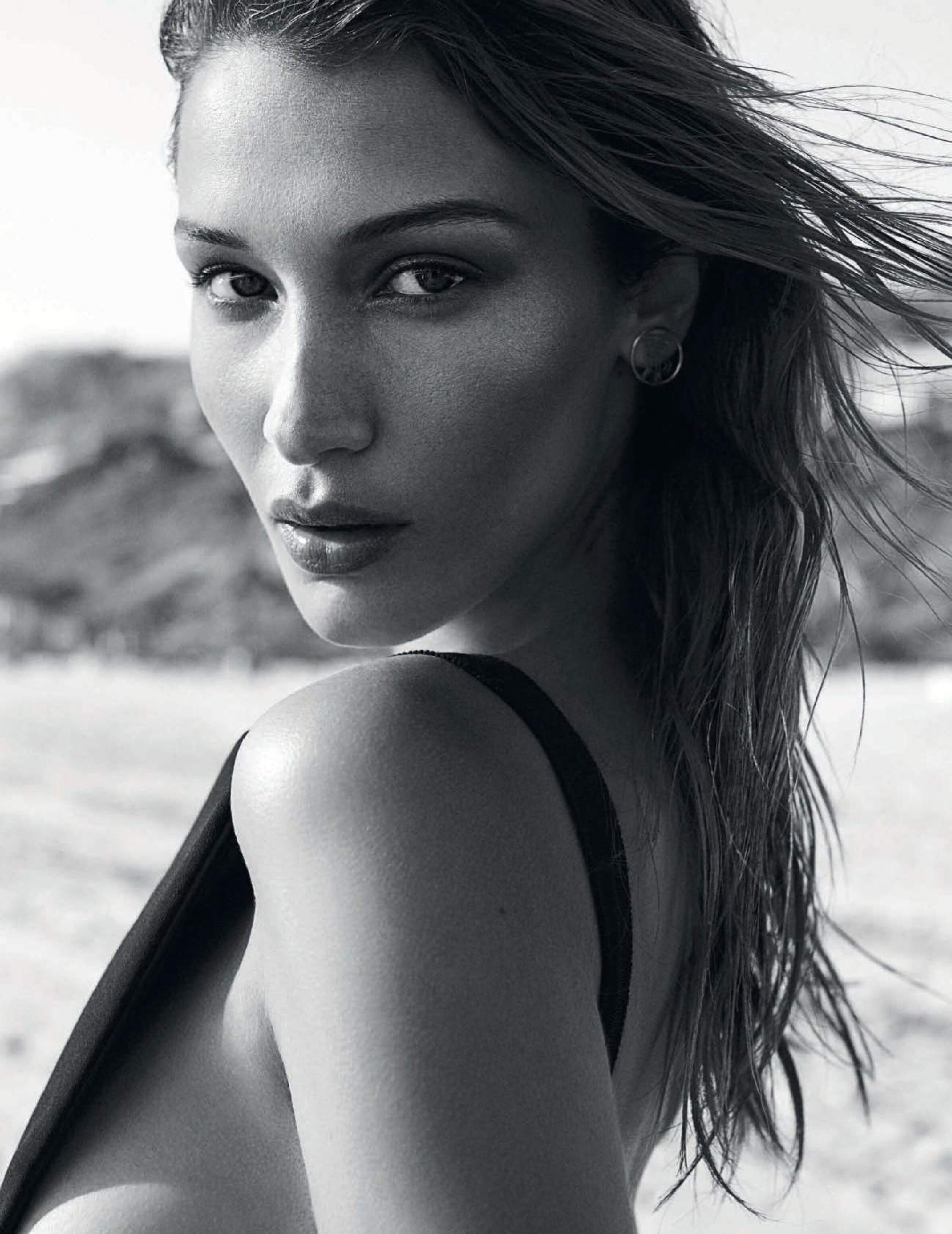 Bella Hadid Up Close and Personal By Zoey Grossman In Summer Beauty For Vogue Espana