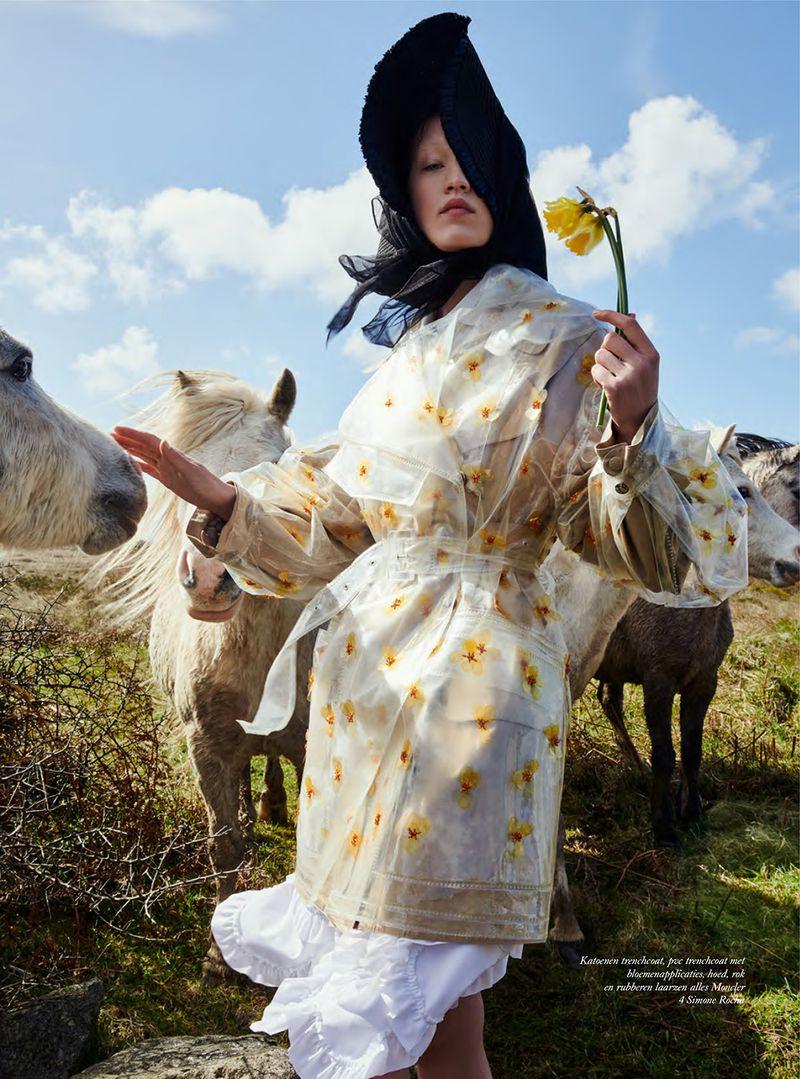 Elizabeth Davison by Petrovsky + Ramone Harper's Netherlands (5).jpg