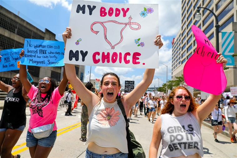 """Young women protest against quack-science """"Heartbeat Bill"""" in Georgia."""