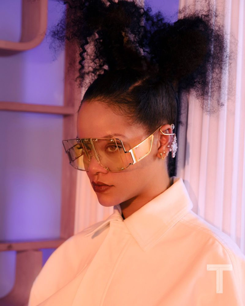 Rihanna+by+Kristin-Lee+Moolman+for+NYT+Style+June+2019+(2).jpg