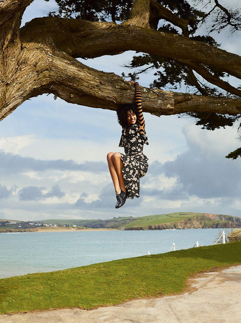 Damaris Goddrie by Josh Shinner for Harper's Bazaar UK July 2019 (15).jpg