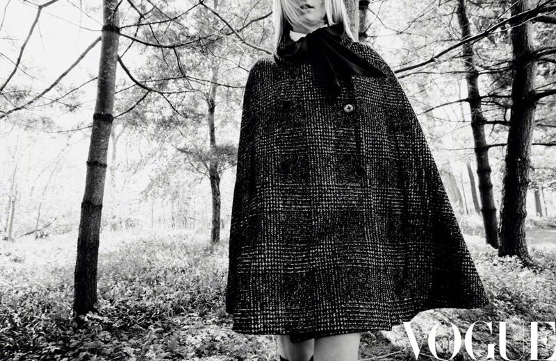 Sophie-Turner-Vogue-China-Daniel-Jackson (3).jpg