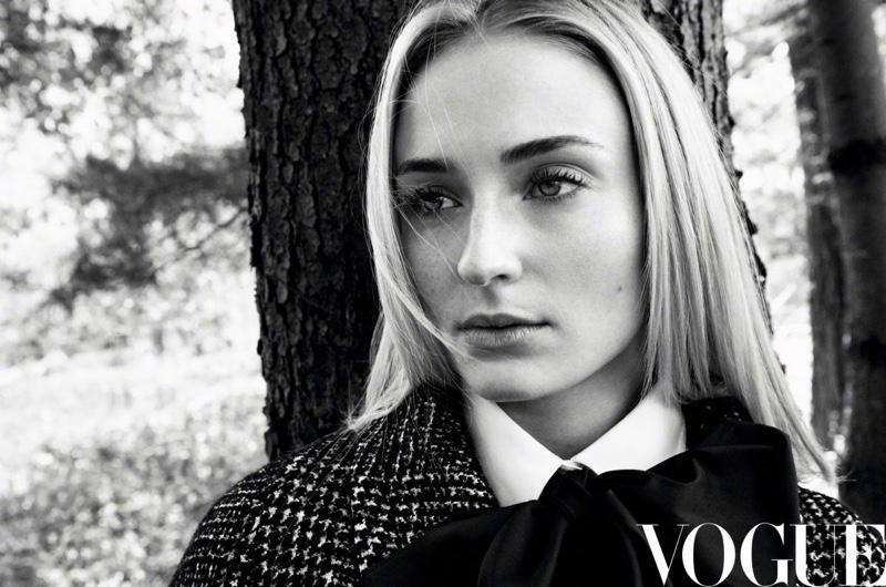 Sophie-Turner-Vogue-China-Daniel-Jackson (4).jpg