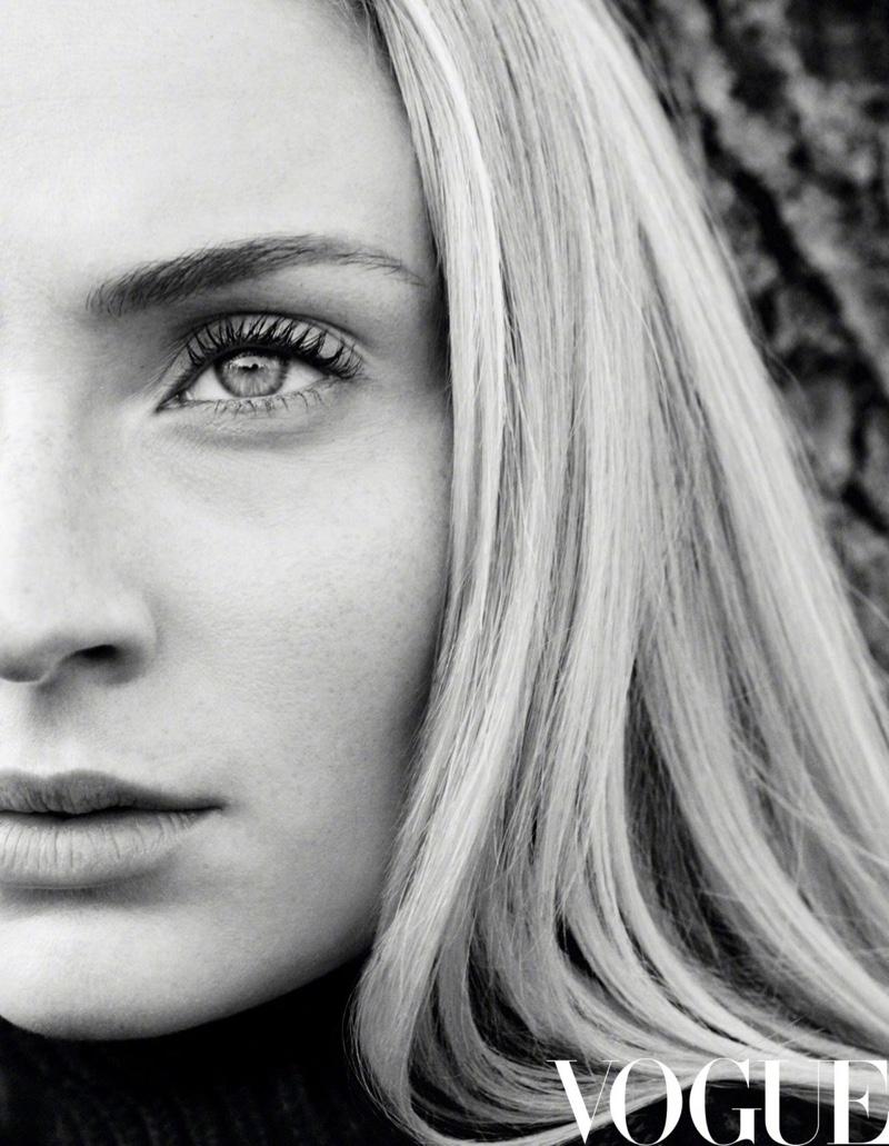 Sophie-Turner-Vogue-China-Daniel-Jackson (2).jpg