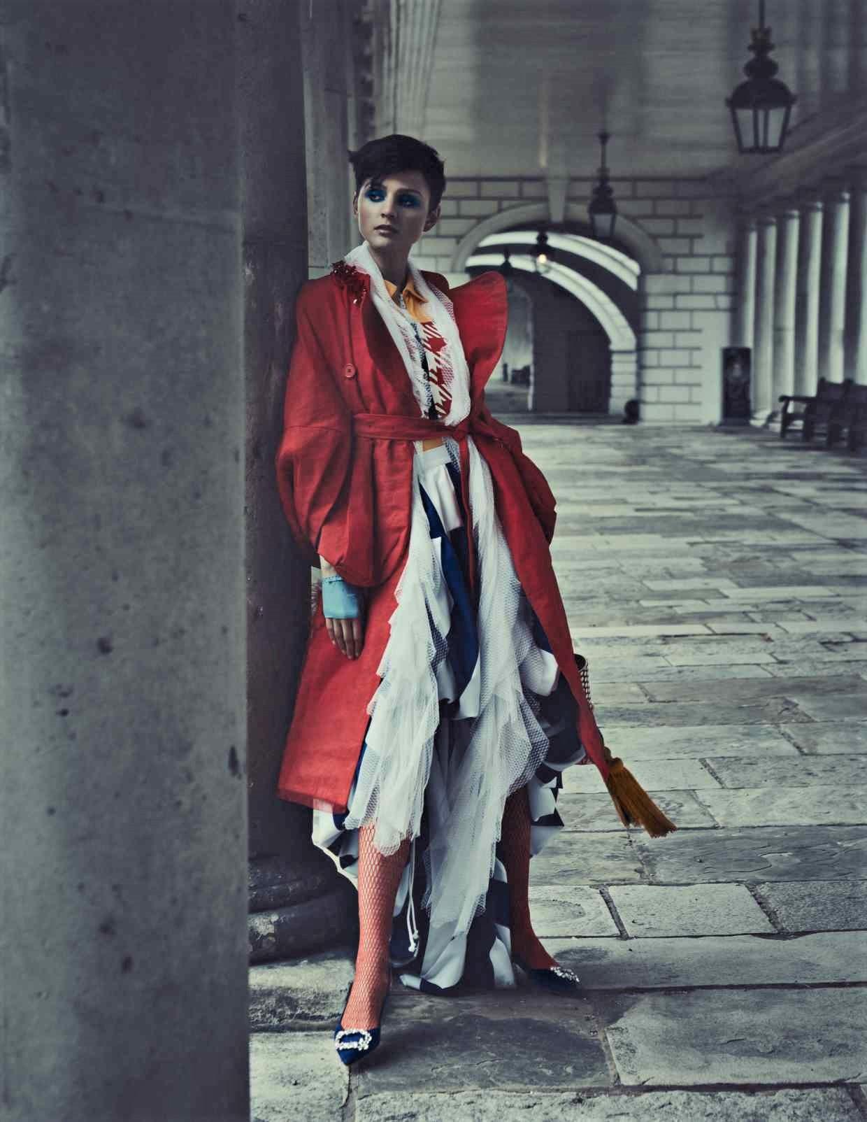 Nina Kojovic by Yuval Hen for HTSI Mag Cutty Sark (10).jpg