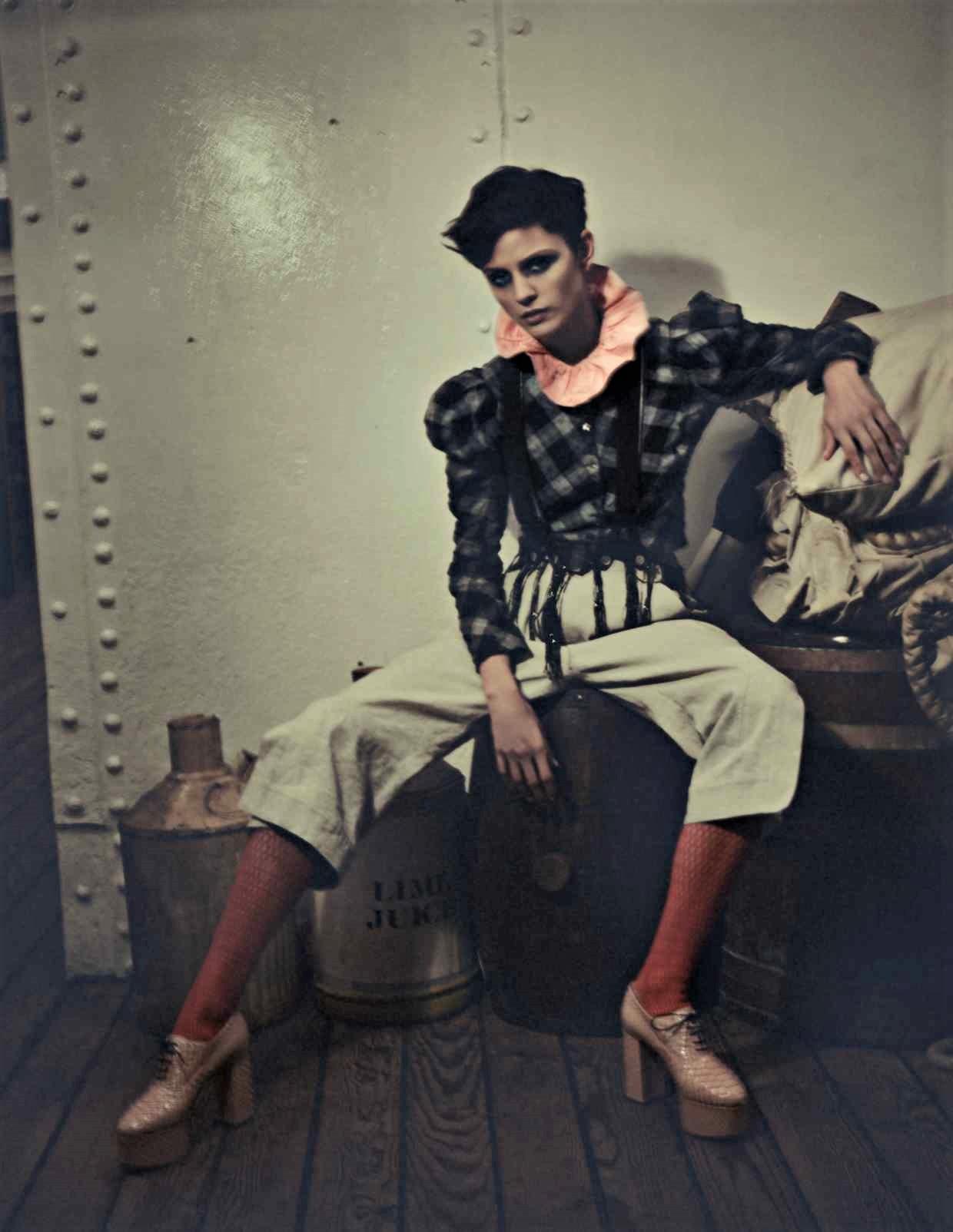 Nina Kojovic by Yuval Hen for HTSI Mag Cutty Sark (9).jpg