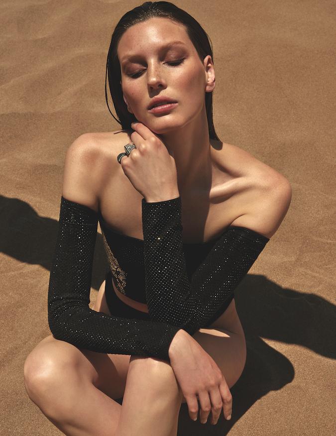 Veroniek Gielkens for Vogue Greece June 2019 (1).png