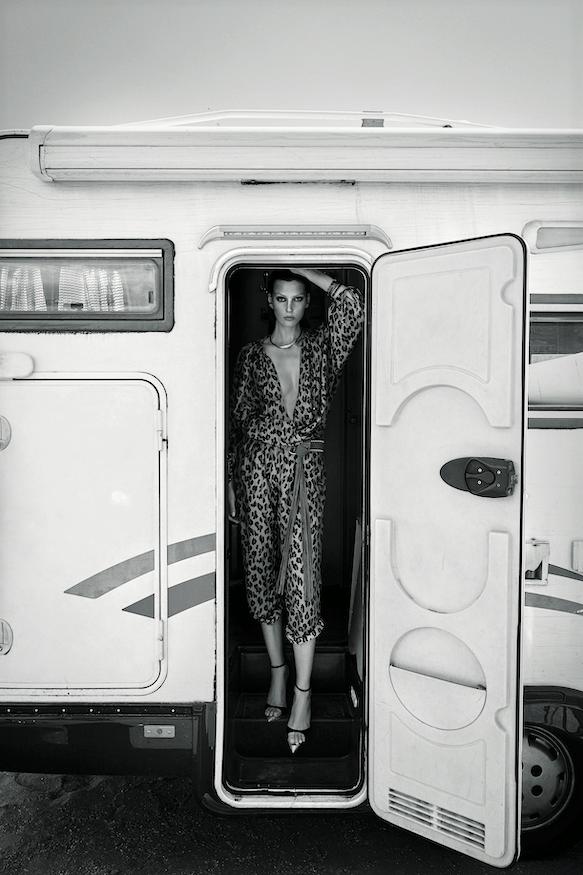 Veroniek Gielkens for Vogue Greece June 2019 (3).png