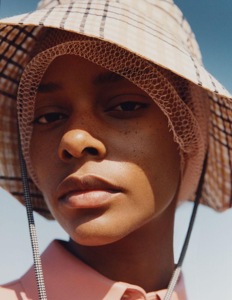 Karly Loyce by Ina Lekiewicz for Vogue Ukaine July 2019 (2).jpg