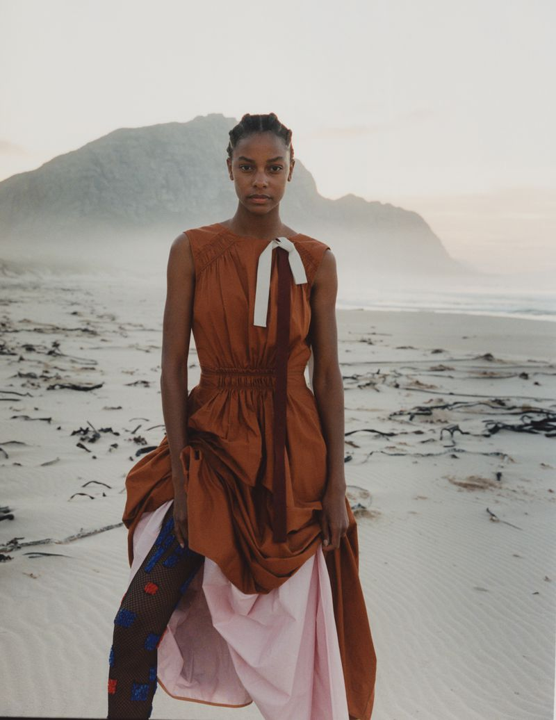 Karly Loyce by Ina Lekiewicz for Vogue Ukaine July 2019 (6).jpg