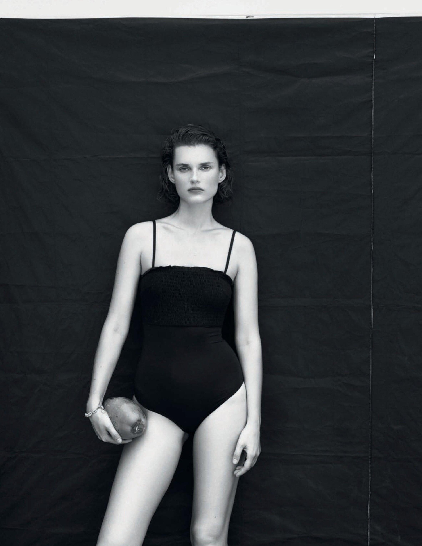 Giedere Dukauskaite by Bjorn Iooss for Vogue Spain July 2019 (7).jpg