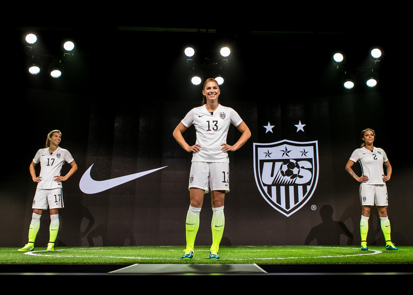 NIKE Women's soccer kit-1.jpeg