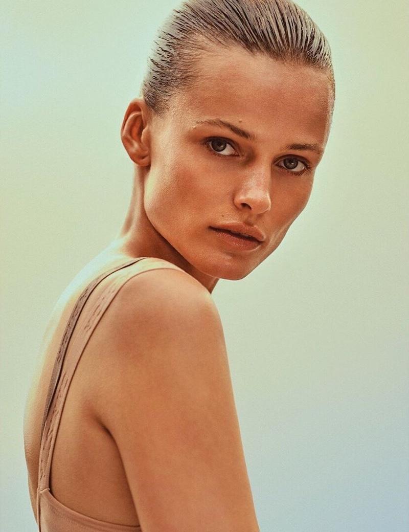 Edita-Vilkeviciute-Vogue-Poland-Cover-Chris-Colls- (6).jpg