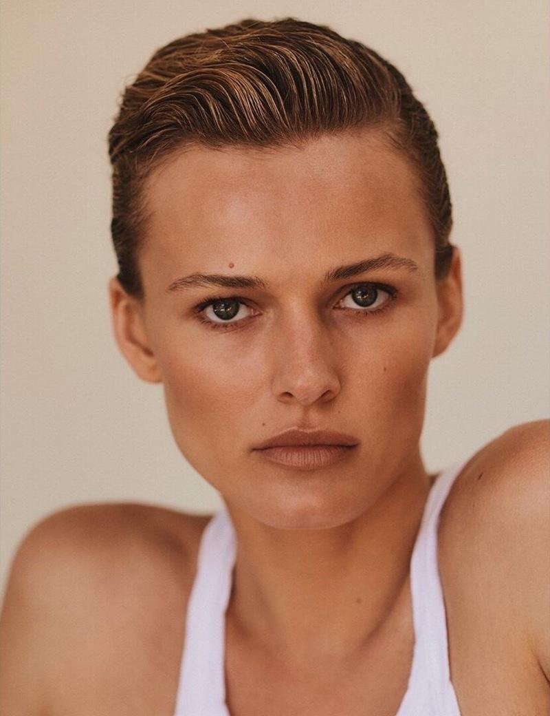 Edita-Vilkeviciute-Vogue-Poland-Cover-Chris-Colls- (7).jpg