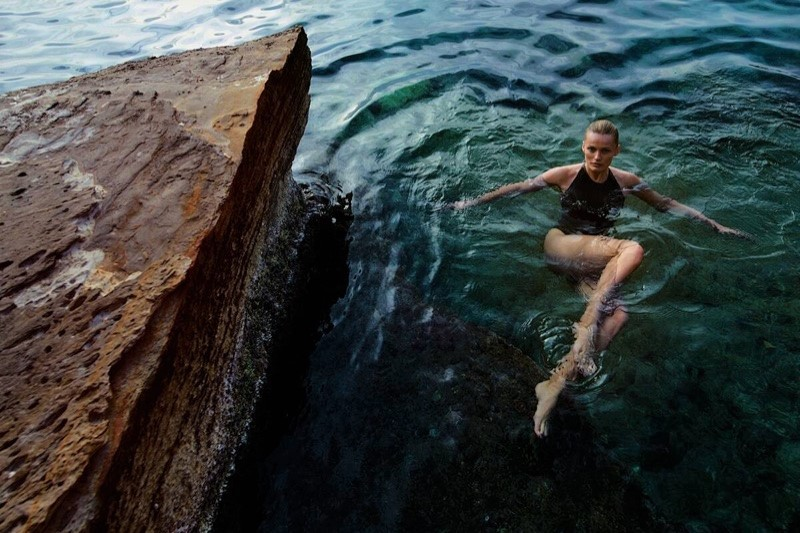 Edita-Vilkeviciute-Vogue-Poland-Cover-Chris-Colls- (4).jpg