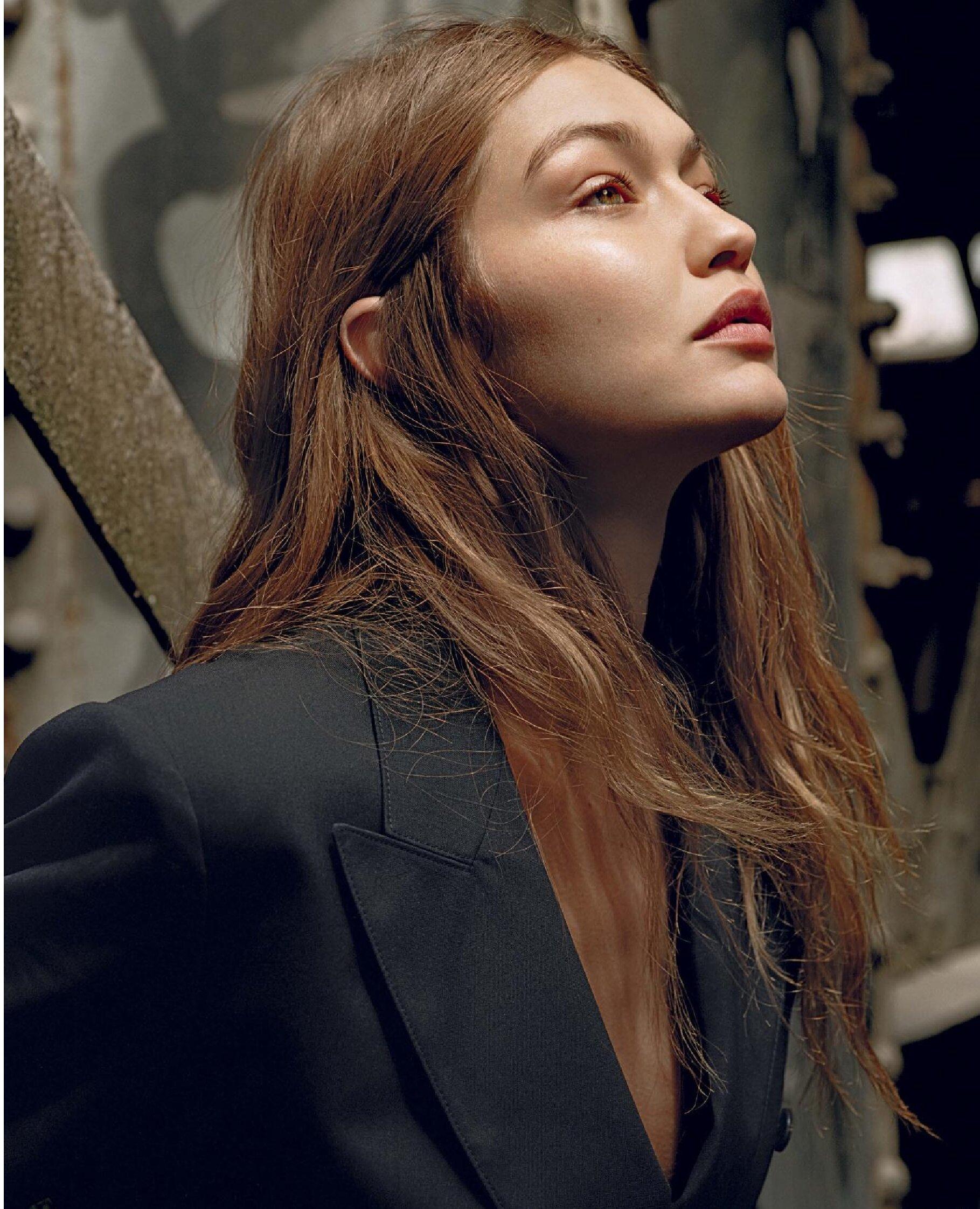 Gigi Hadid by Alasdair McLellan Vogue Italy July 2019 (6).jpg