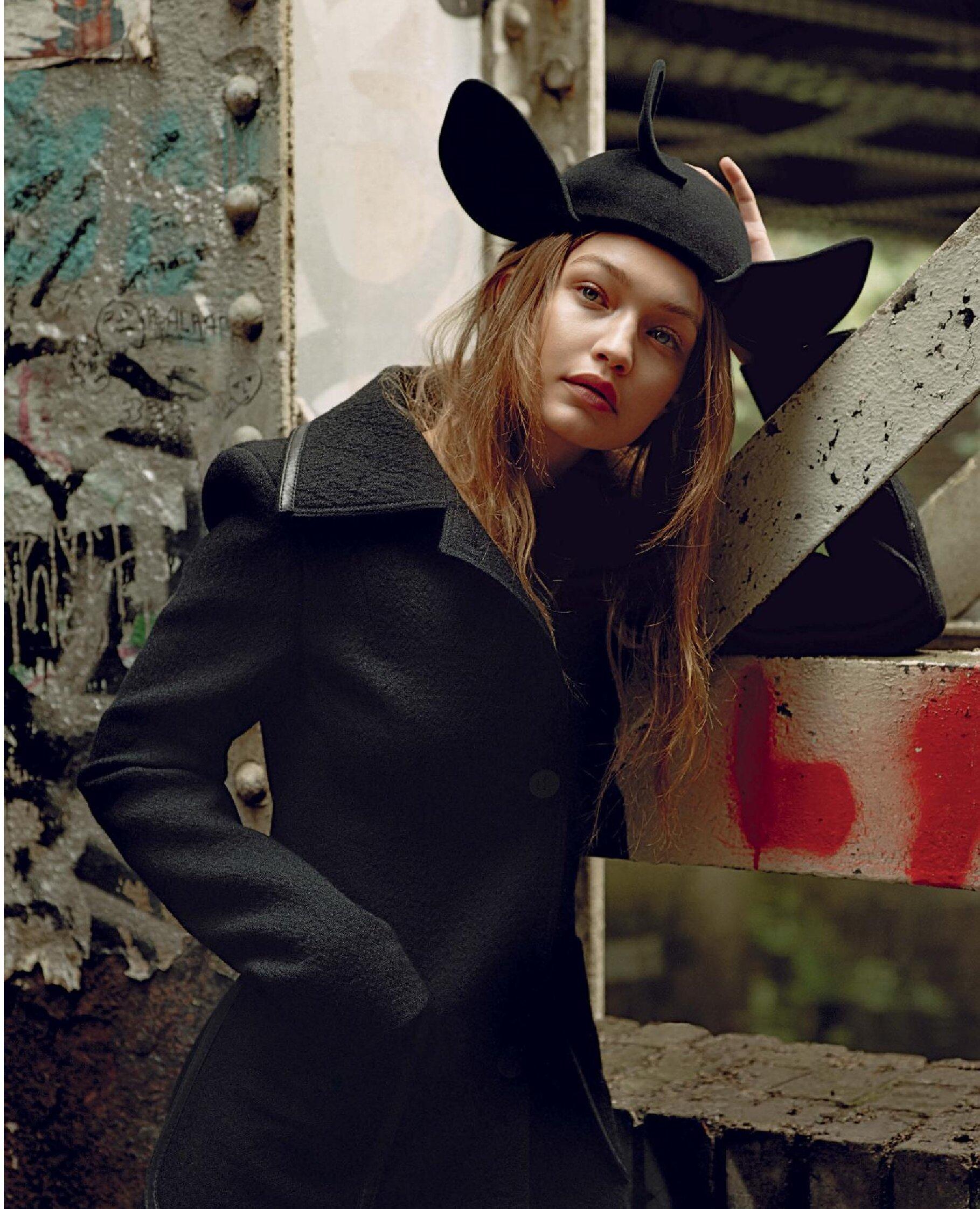 Gigi Hadid by Alasdair McLellan Vogue Italy July 2019 (4).jpg