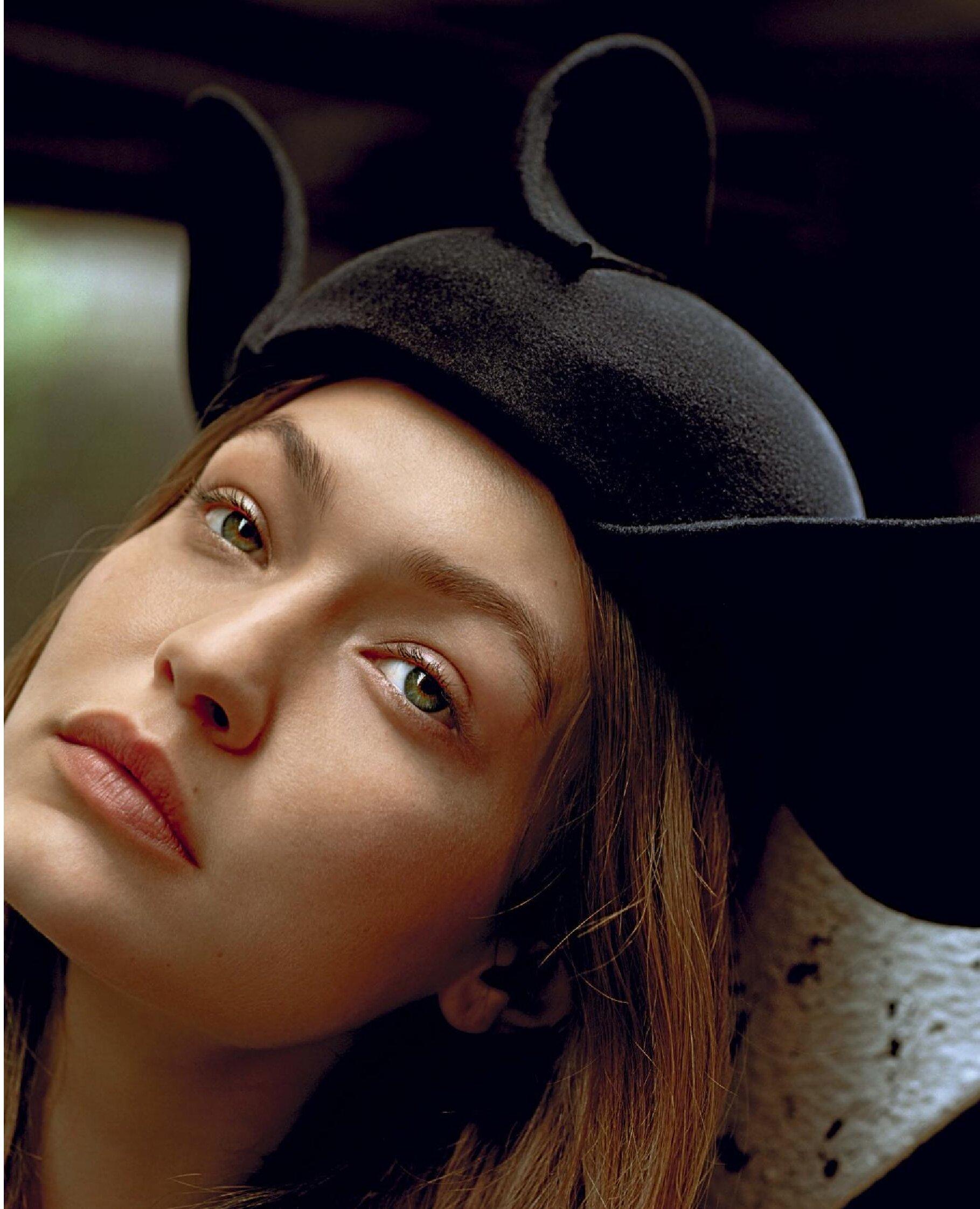 Gigi Hadid by Alasdair McLellan Vogue Italy July 2019 (3).jpg