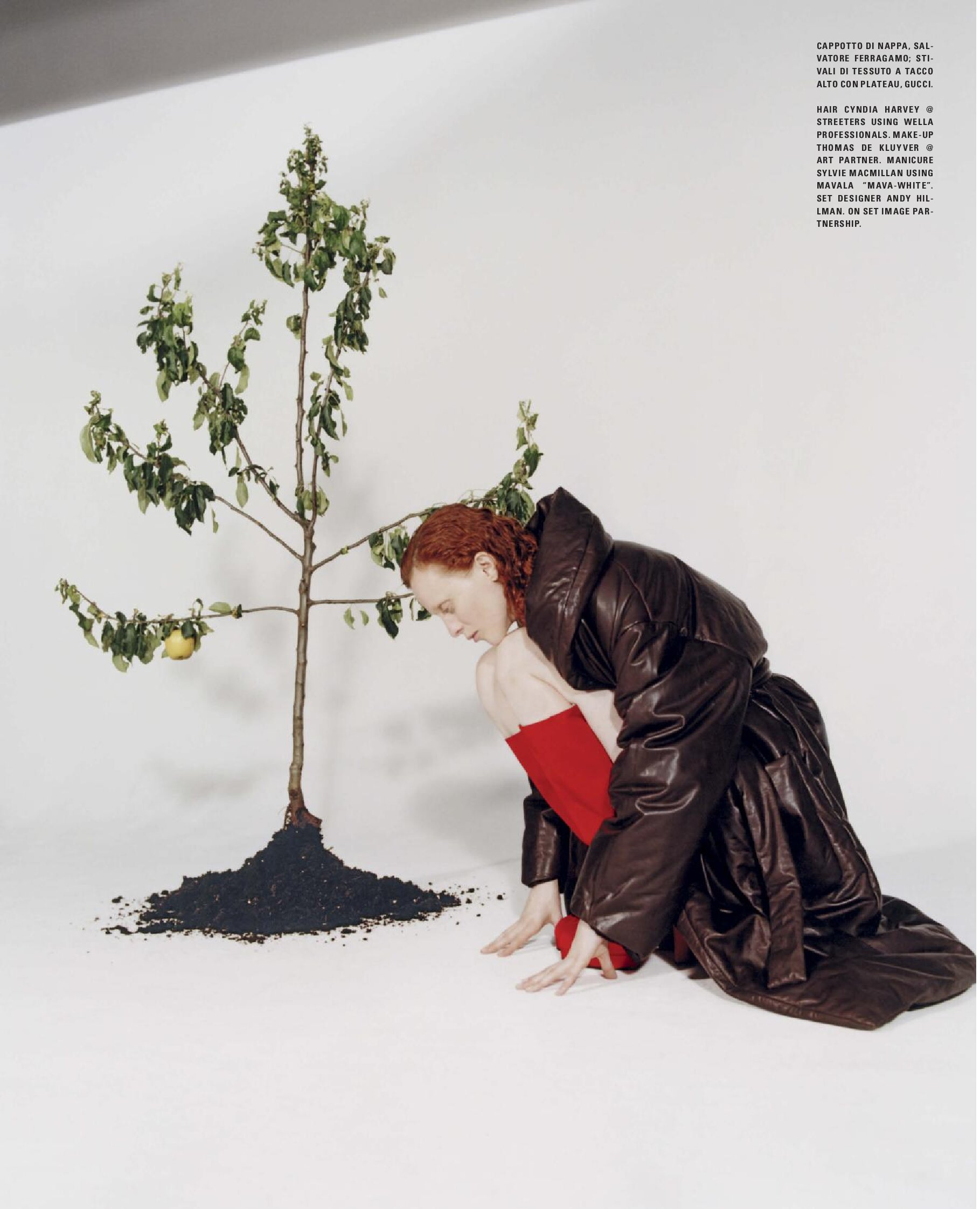 Karen Elson by Harley Weir for Vogue Italia July 2019 (5).jpg