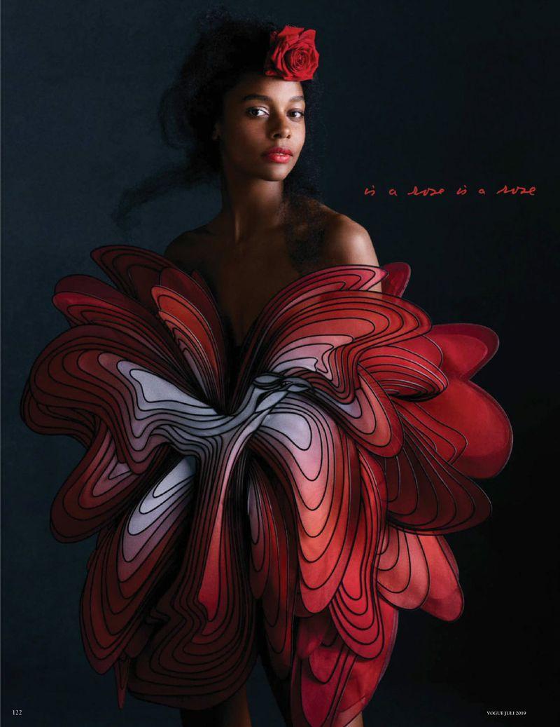 Camille-Hurel-Karly-Loyce-Lagerfeld-tribute-Vogue-Germany- (6).jpg